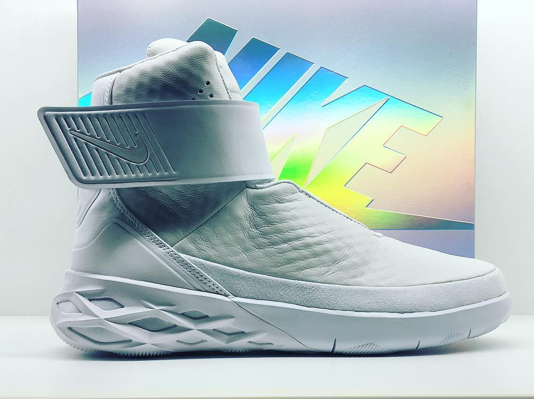 eb3dee757b Nike Has a Futuristic New Laceless Sneaker | Sole Collector