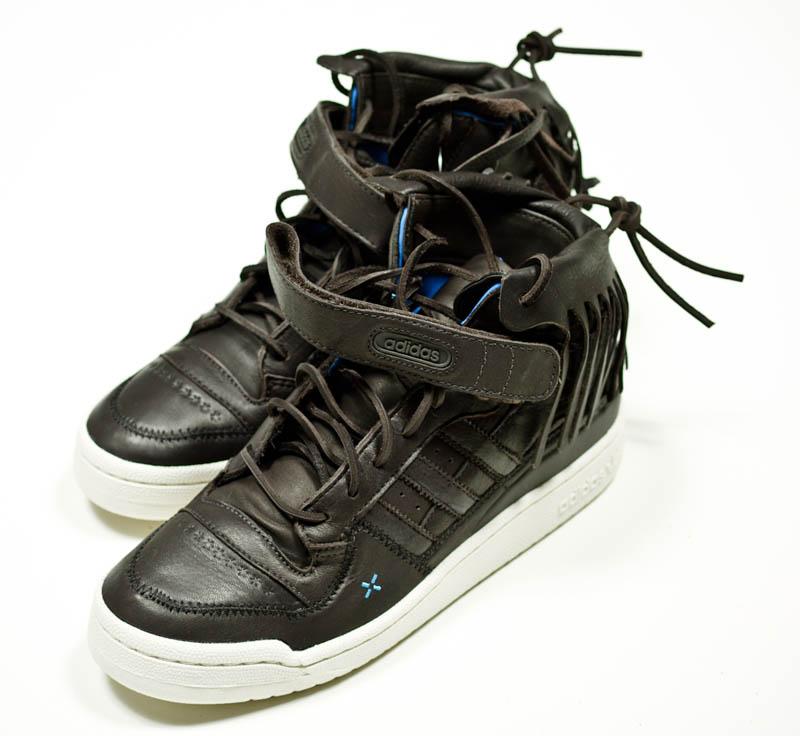 new styles ee086 347fb LDRS x adidas Originals Forum Mid Moccasin Black 2