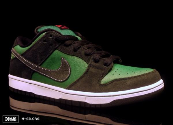 half off 69539 74c9f Nike SB Dunk Low - Green Woodgrain/Black Suede - Spring 2012 ...
