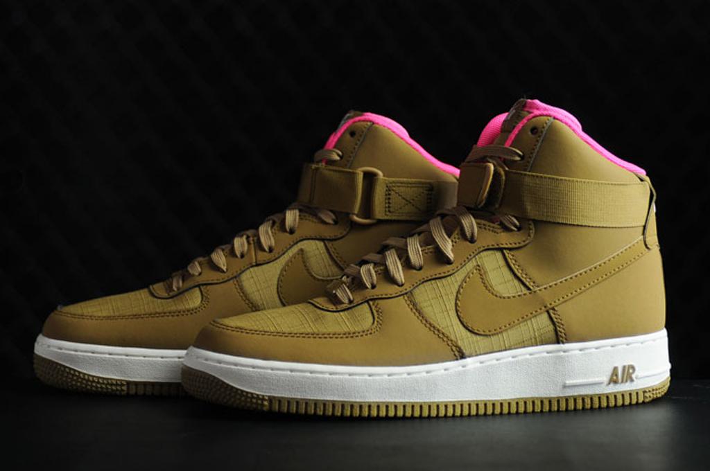 meet dd4b0 ff584 Nike Air Force 1 High Tan