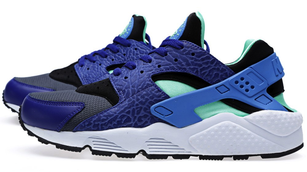 low priced 15475 a1b83 nike air huarache og elephant print in deep royal blue and blue hero