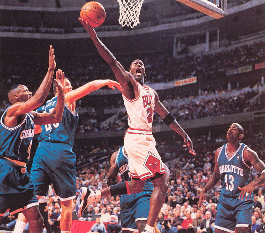 Michael Jordan wearing Air Jordan XI 11 Concord (8)