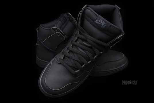 black nike dunks high