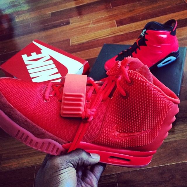 Victor Cruz Picks Up Nike Air Yeezy 2 Red October