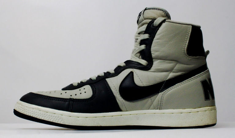 finest selection c16ee fe8aa Most Influential College Sneaker Teams  Sole Collector