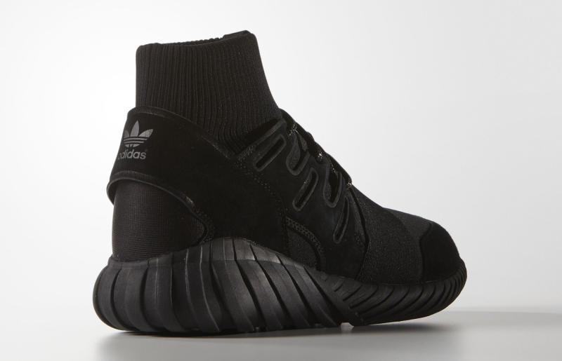 huge selection of b8a41 775b6 Adidas Blacks Out on Tubular Dooms
