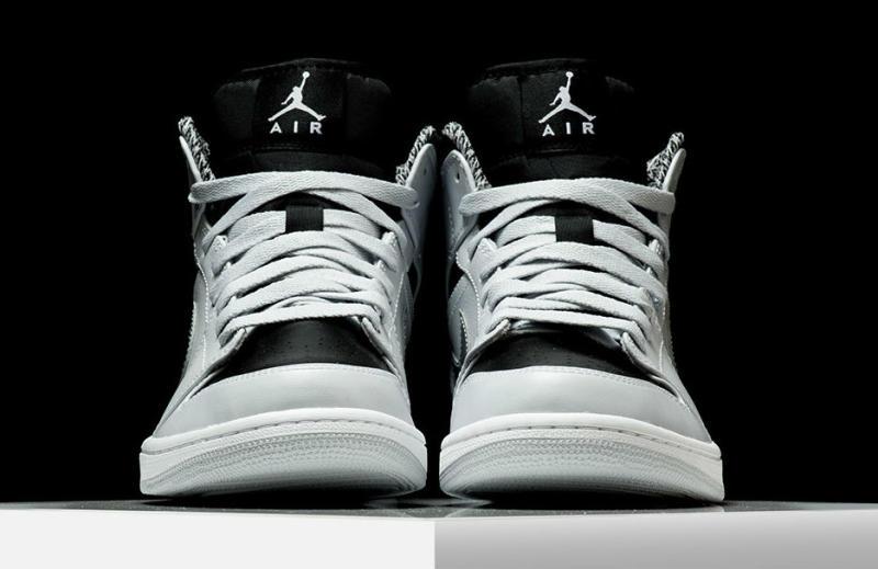 pretty nice 21d2e 285a6 Air Jordan 1 Mid Pure Platinum 554724-032 (3)