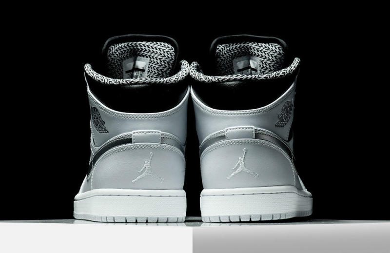 newest d182e add03 Air Jordan 1 Mid Pure Platinum 554724-032 (4)