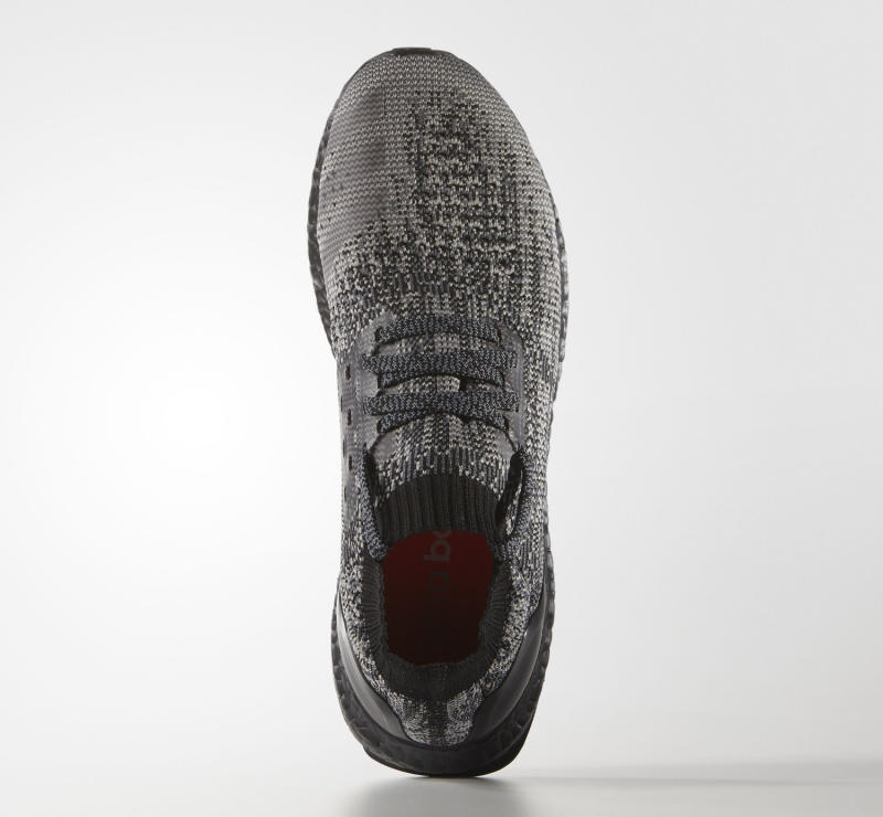 Adidas Ultra Boost Uncaged Blackout