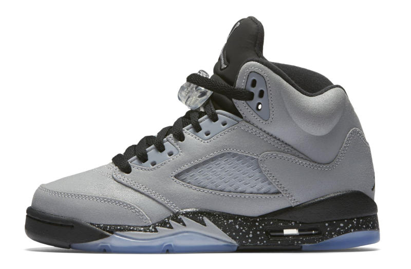 324865892577 First Look at a New Jordan 5 Colorway