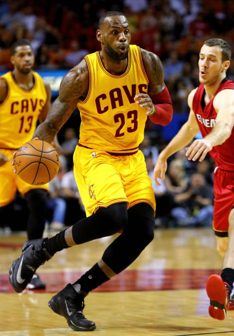 Procesando Detallado suficiente  LeBron James Debuts the Nike LeBron 13 Elite | Sole Collector