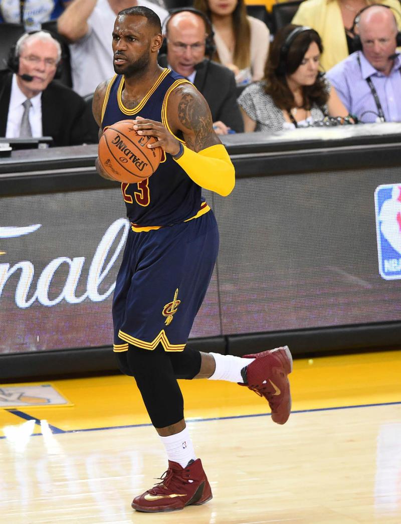 9669c433776 LeBron James Wears Wine Gold Nike LeBron 13 Elite Finals PE (3)