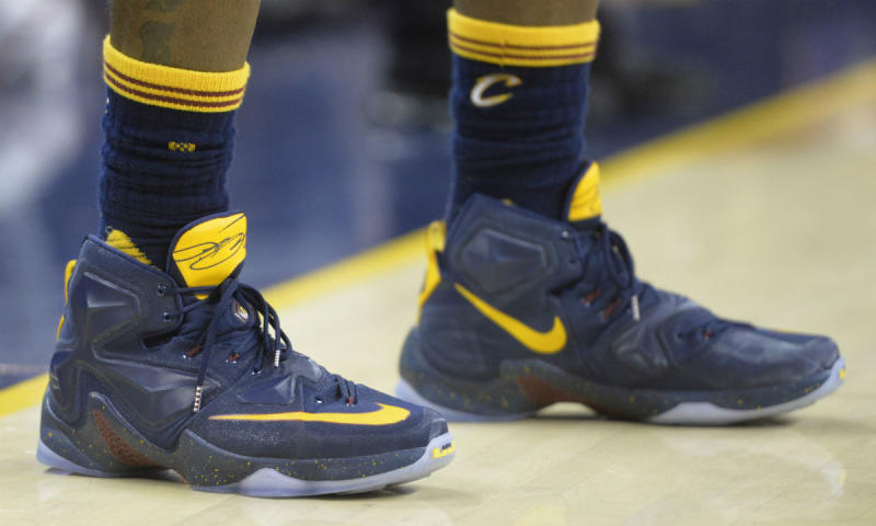 57d62d09cd8e8 LeBron James Wears Navy Yellow Nike LeBron 13 PE (1)