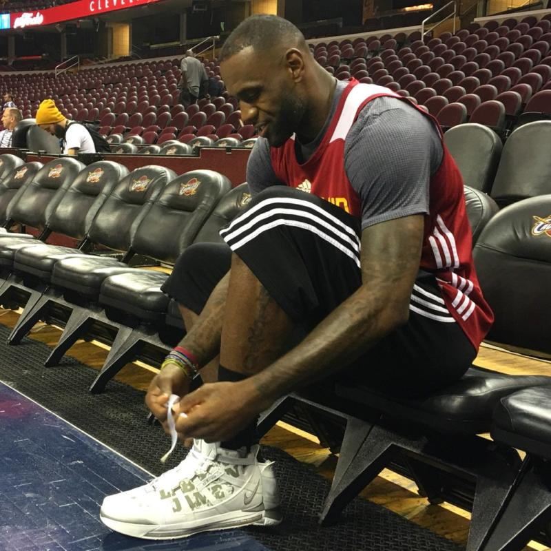 the best attitude aa045 e77b1 LeBron James Wearing LeBron 3 Finals Practice | Complex
