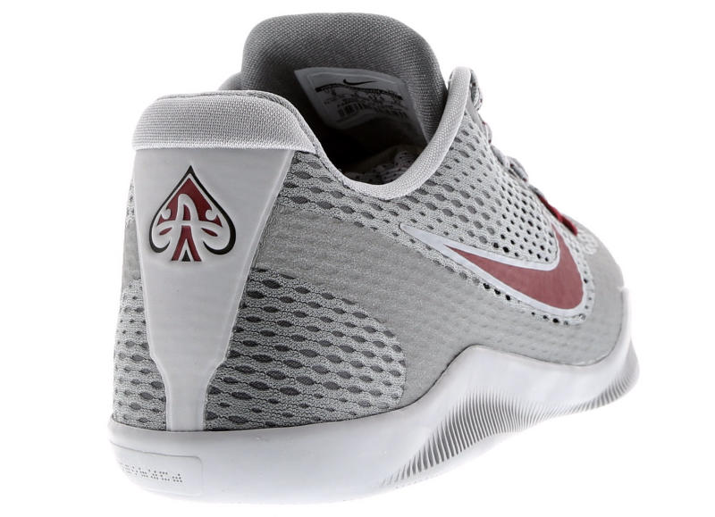 3b32173ac8c Nike Kobe 11