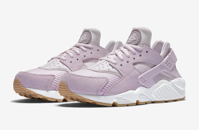 check out daf95 63aad Nike Air Huarache Easter