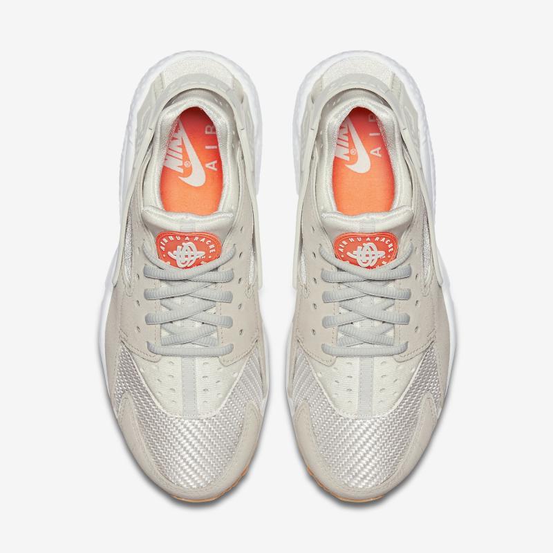 check out 8dd7e eb104 Nike Air Huarache Easter