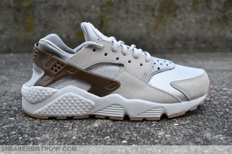 Nike Air Huarache Run Prm Suede