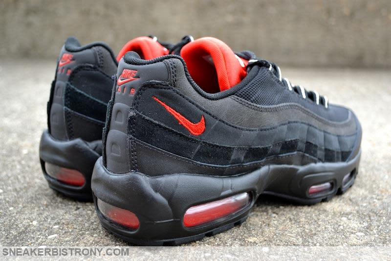 nike air max 95 essential black and red