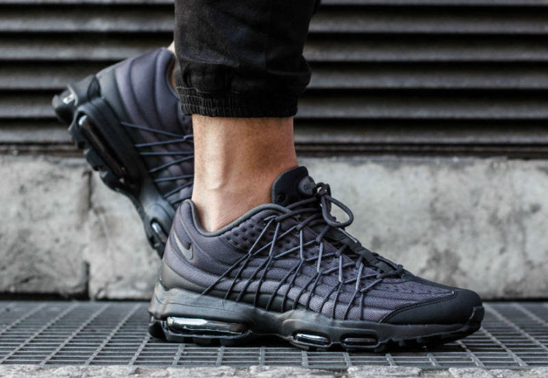 Nike Air Max 95 Ultra SE Black/Dark Grey 845033-001 (2)