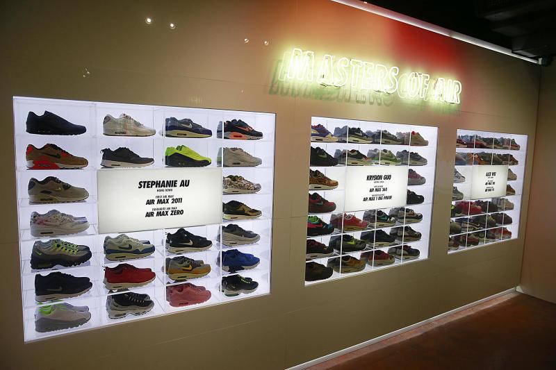 68586bfcb2429 Inside Nike Air Max Con Hong Kong (8)