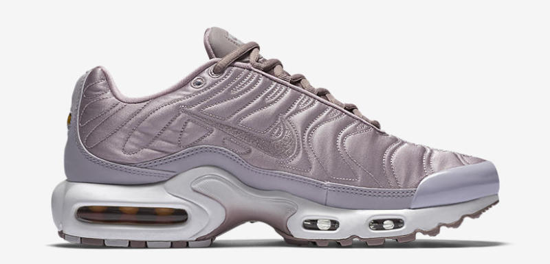 52307d5dc9 ... get nike air max plus satin pack sole collector 544f7 d1706
