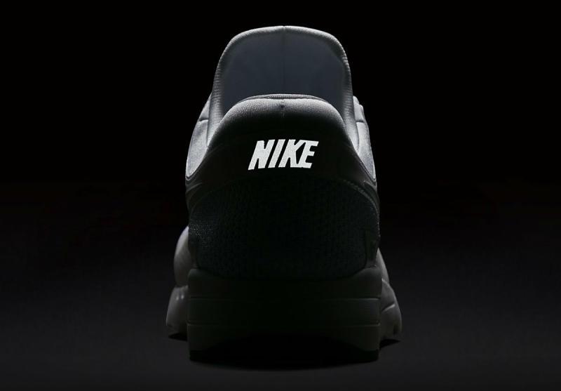 14a45b78a17d Nike Air Max Zero