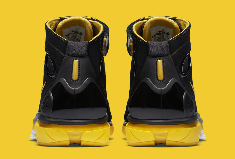 This Nike Huarache 2K4 Retro Is Available Now