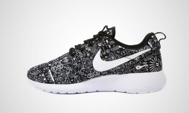 nike roshe run wmns print sole collector. Black Bedroom Furniture Sets. Home Design Ideas