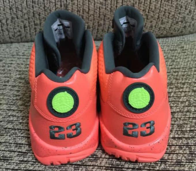 pretty nice e15a0 f2d16 Red Jordan 9 Low 832822-805 (4)