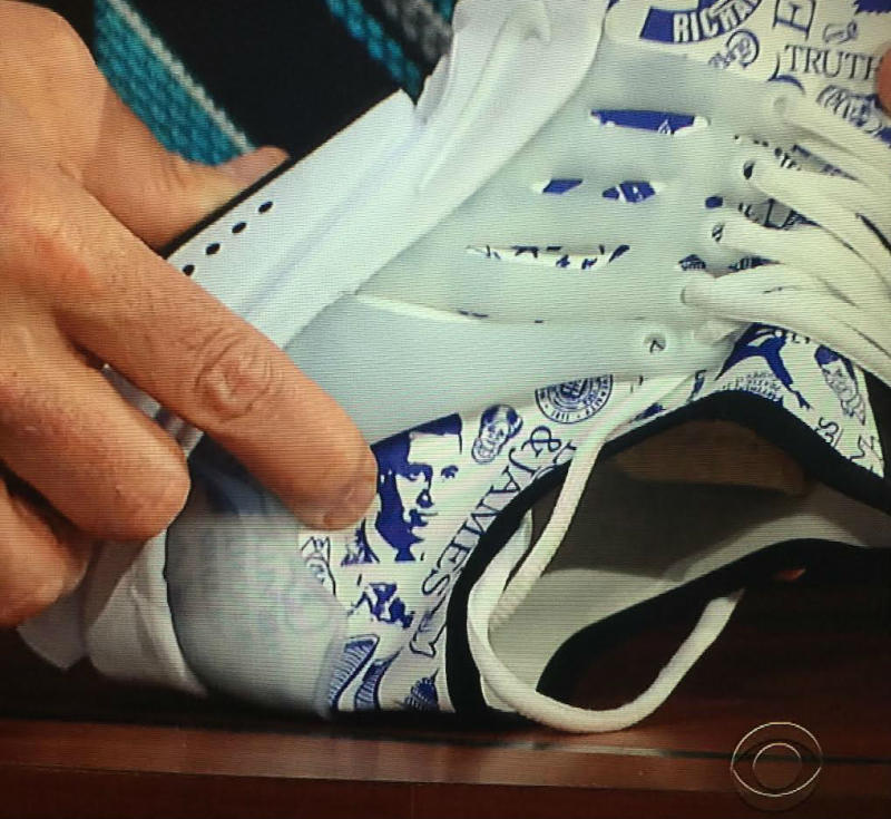 Phil Knight Gave Stephen Colbert A Very Personal Pair of Nike Sneakers (3)
