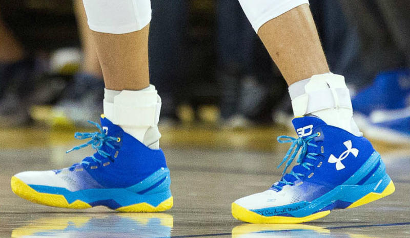 Stephen Curry Wears Gradient