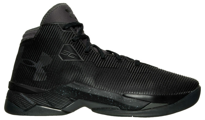 Under Armour Curry 2.5 Blackout (1)