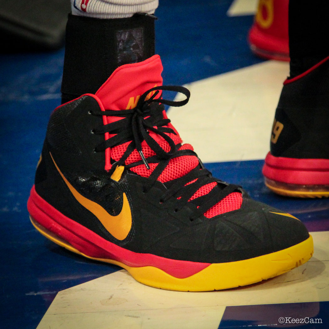 Luol Deng wearing Nike Air Max Body U PE (1)