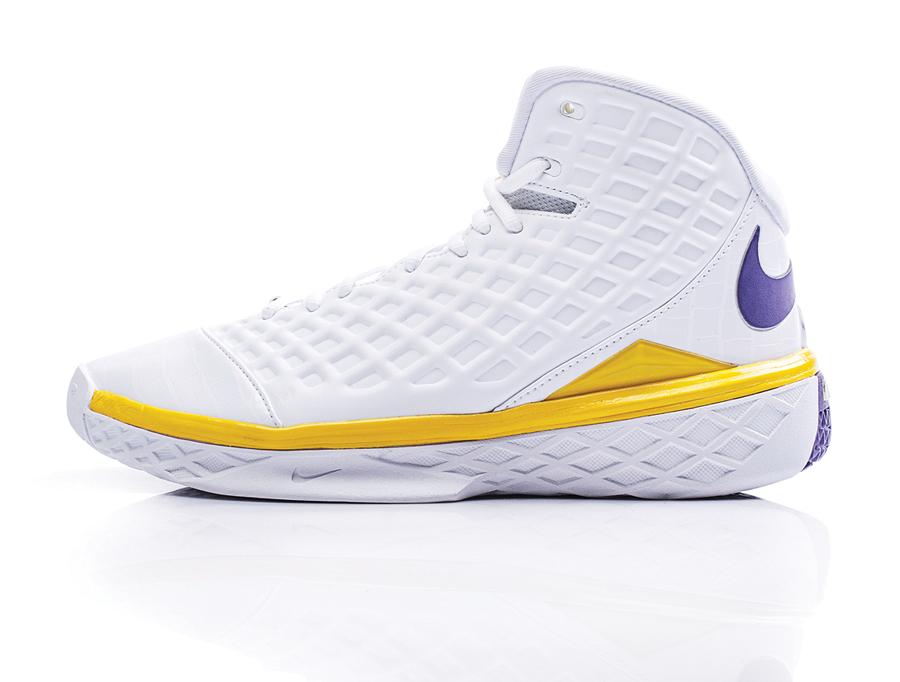 The Prelude // Nike Zoom Kobe 3 | Sole