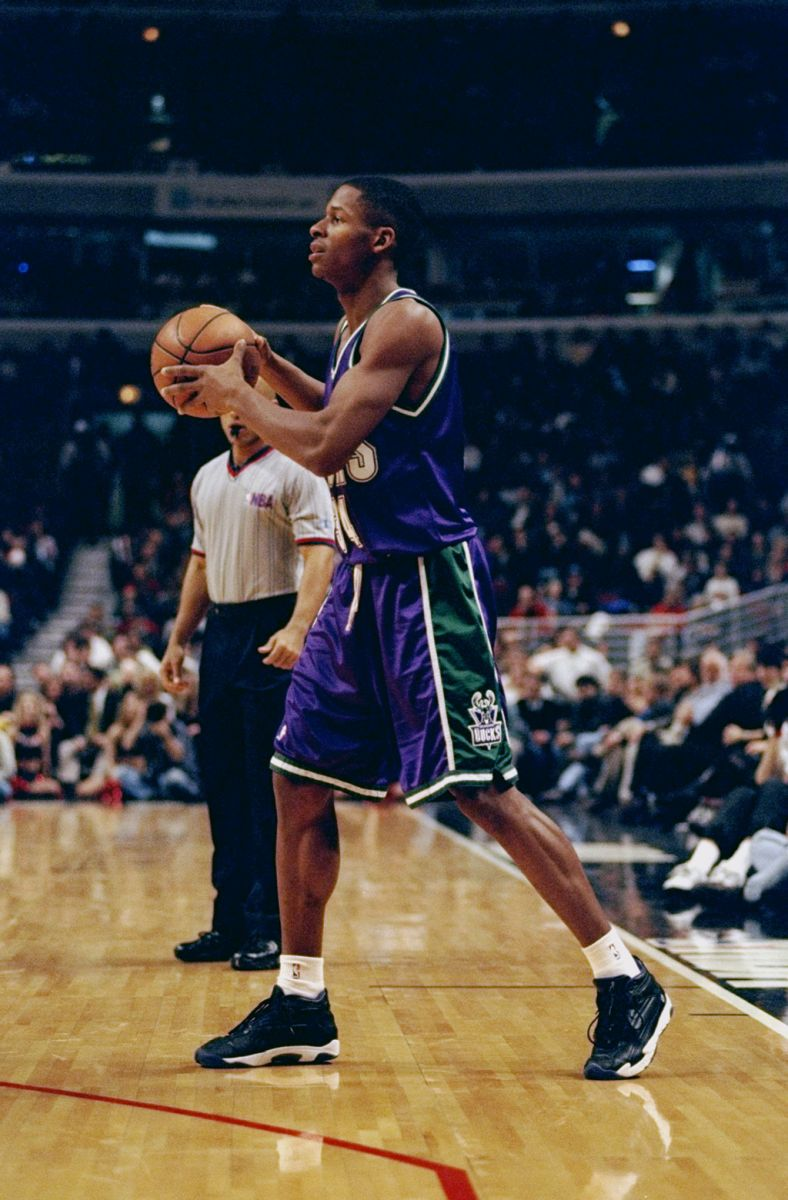 Ranking the Sneakers Worn During Ray Allen s Greatest Performances ... 15d40b5dc