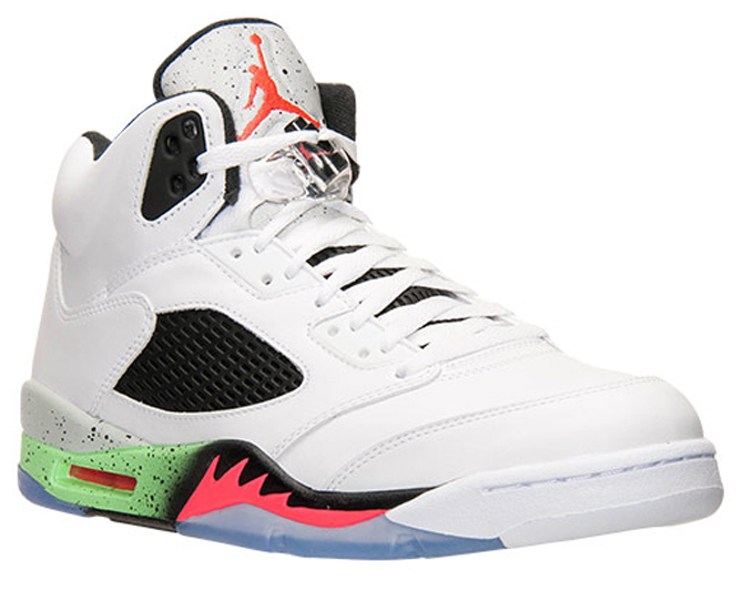 UPDATE 521: A complete look at this Air Jordan 5 courtesy of Finishline.