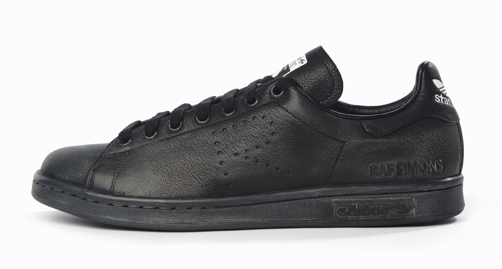 Beat Up Raf Simons X Adidas Stan Smiths Cost 455 Sole