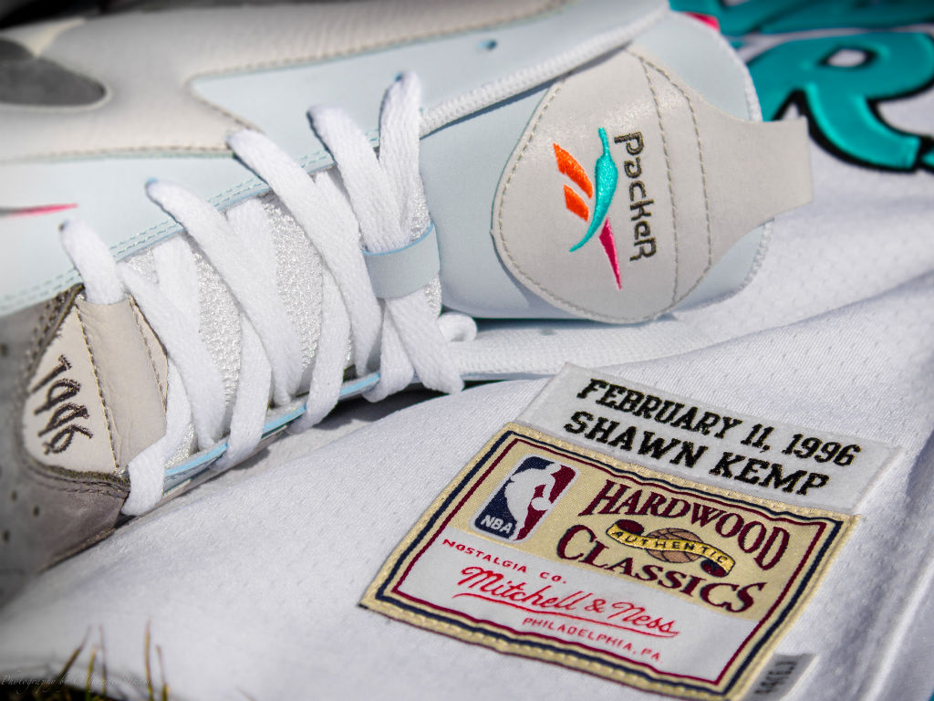"Packer Shoes x Reebok Kamikaze II x Mitchell & Ness ""Remember The Alamo"" Capsule Collection (22)"