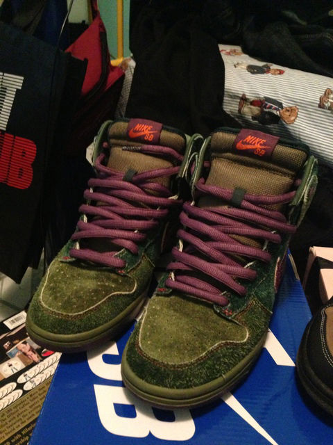 Spotlight // Pickups of the Week 12.8.12 - Nike SB Dunk High Skunk by Lead_Balloon