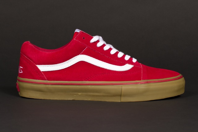 963b6ea4f6256a Buy vans old skool red gum sole - 54% OFF! Share discount
