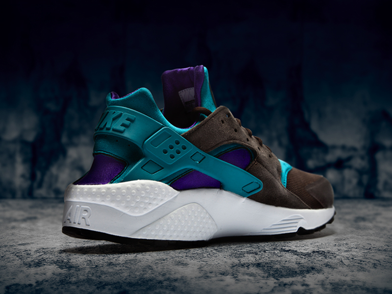 Nike Air Huarache Teal size? Exclusive
