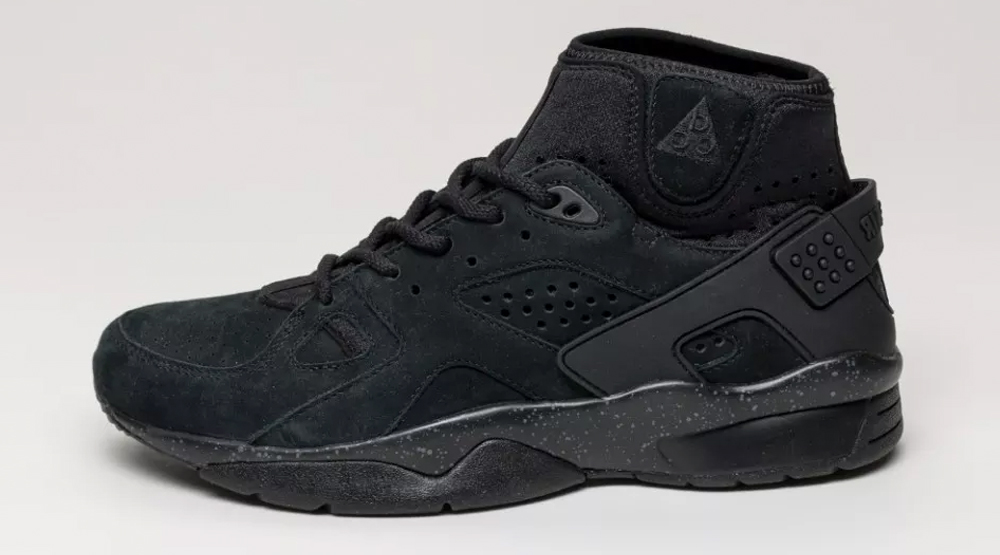 0977b9a4f3498 There s a  Blackout  Nike Mowabb Coming