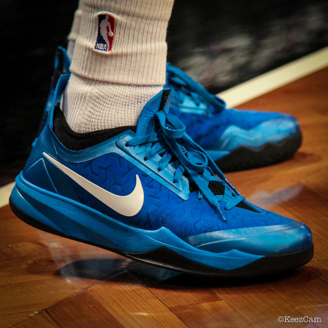 Deron Williams wearing Nike Zoom Crusader Blue (1)