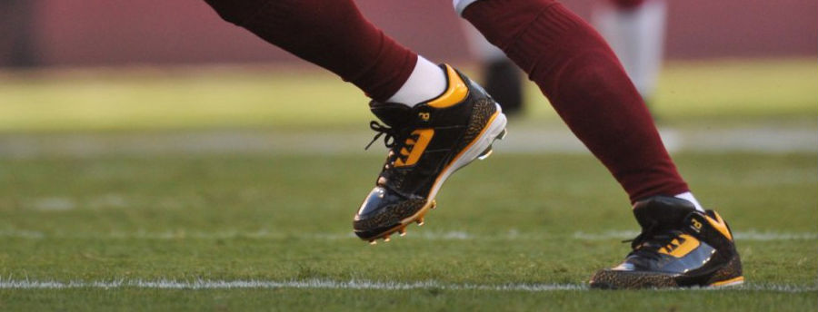 Jason Taylor Wearing Air Jordan III 3 Redskins PE Cleats (5)
