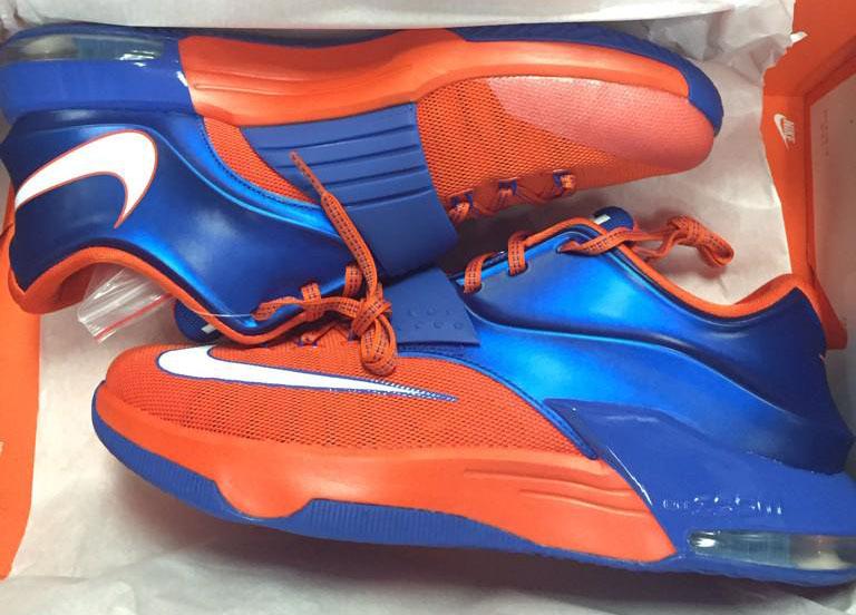uk availability 2c37f 7fb19 Nike KD VIi 7 Florida Gators PE