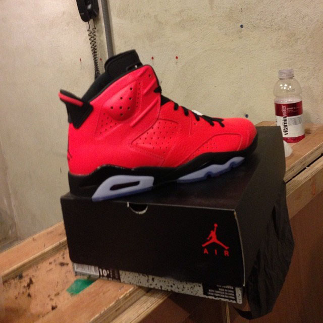 Jim Jones Picks Up Air Jordan 6 Retro Infrared 23