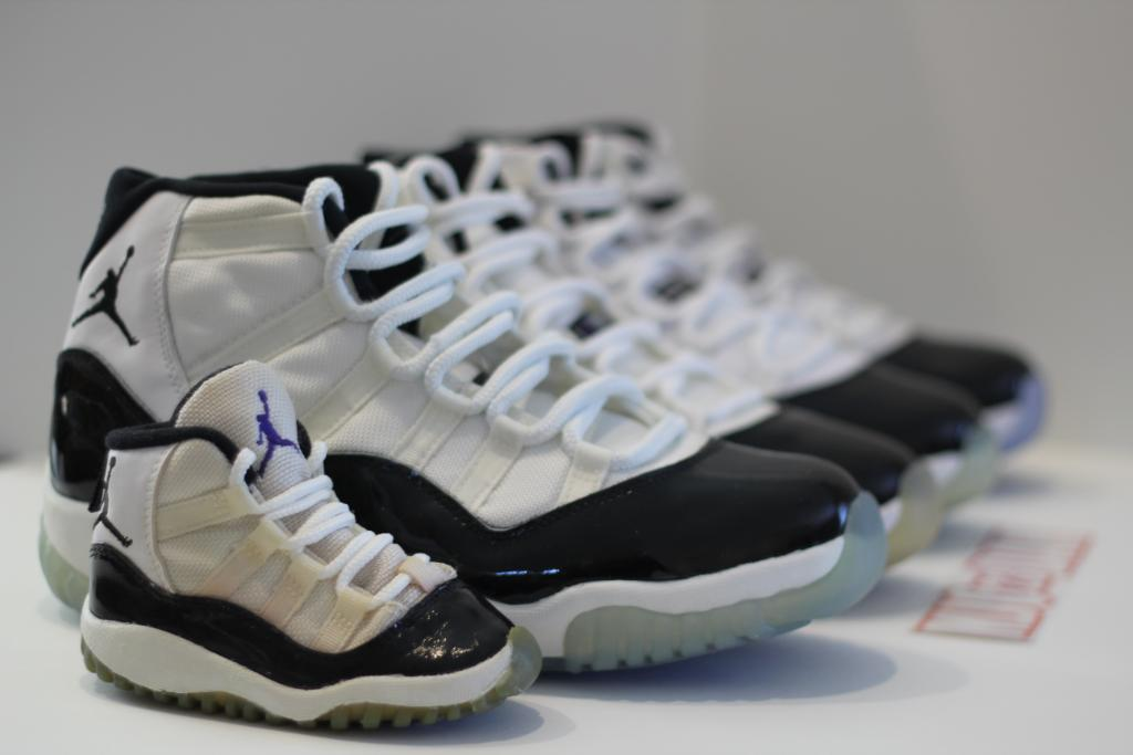 3a9186515b6a0e ... new zealand air jordan xi concord detailed comparison 2011 vs. og vs.  og ebed9