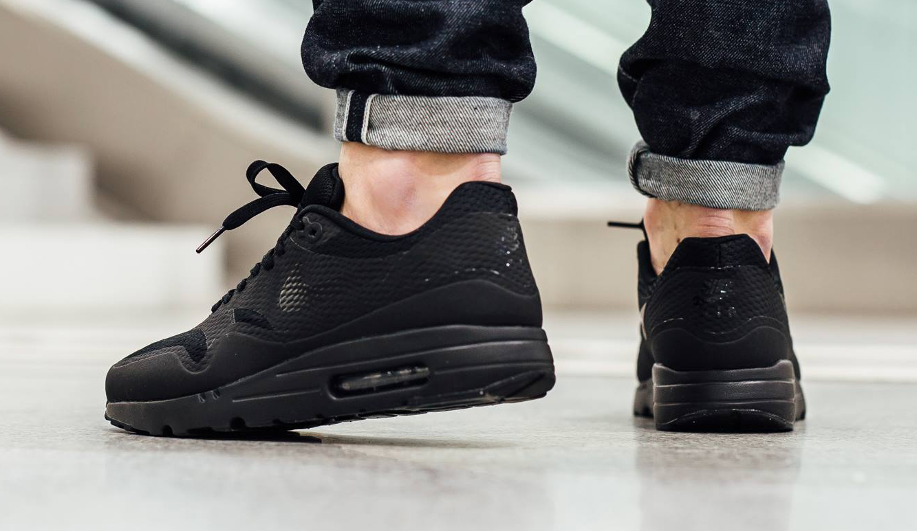 Air Max 1 Ultra Essential Black