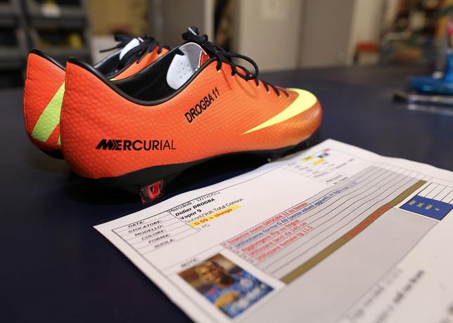 a la deriva Sucediendo Sureste  Didier Drogba Debuts Nike Mercurial Vapor IX